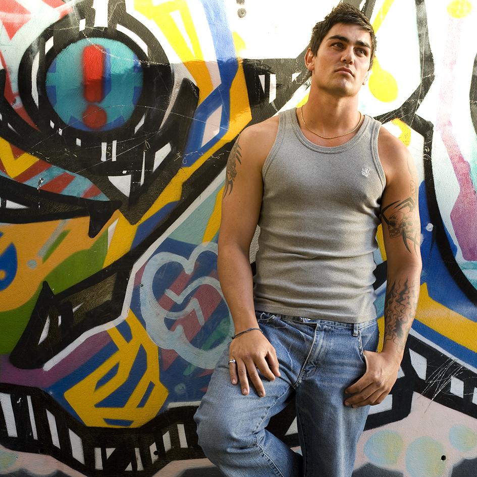 Fashion - Graffiti alleyway